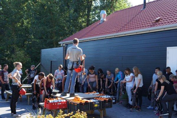 Abel klimbos is veilig met onze opgeleide instructeurs!